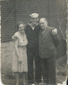 ALT:Dick Keenan with his parents