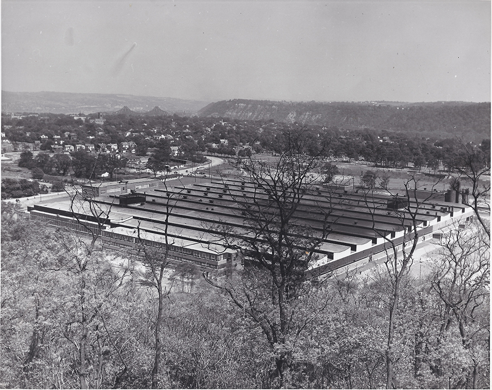 Curtiss-Wright plant, Beaver, Pa., 1945
