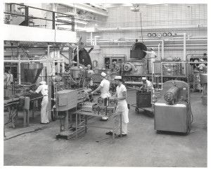 ALT:Employees conduct product testing in the newly-built Research Center in Pittsburgh's North Side, c. 1960 to 1963. H.J. Heinz Company Photographs, MSP 57, Senator John Heinz History Center.