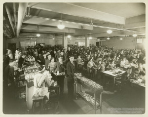 ALT:Peabody High School Cafeteria. Pittsburgh Public School Photographs, MSP 117, Detre Library & Archives, Heinz History Center