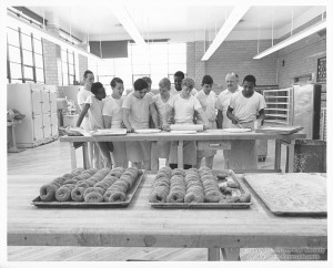 ALT:Commercial Bakery Class at South High School, 1969. Pittsburgh Public School Photographs, MSP 117, Detre Library & Archives, Heinz History Center