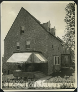 ALT:New and larger P-15 type homes in the second unit of Chatham Village that have four bedrooms and 2 bathrooms. July 6, 1936.   Buhl Foundation Photographs, MSP 187, Detre Library & Archives at the Senator John Heinz History Center.