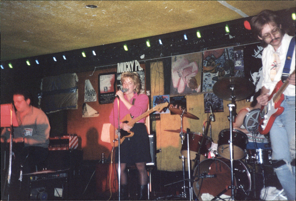 Damaged Pies performing at the Electric Banana, 1990. Stephen Bodner Papers and Photographs, acc. 2016.0090, Detre Library & Archives, Heinz History Center.