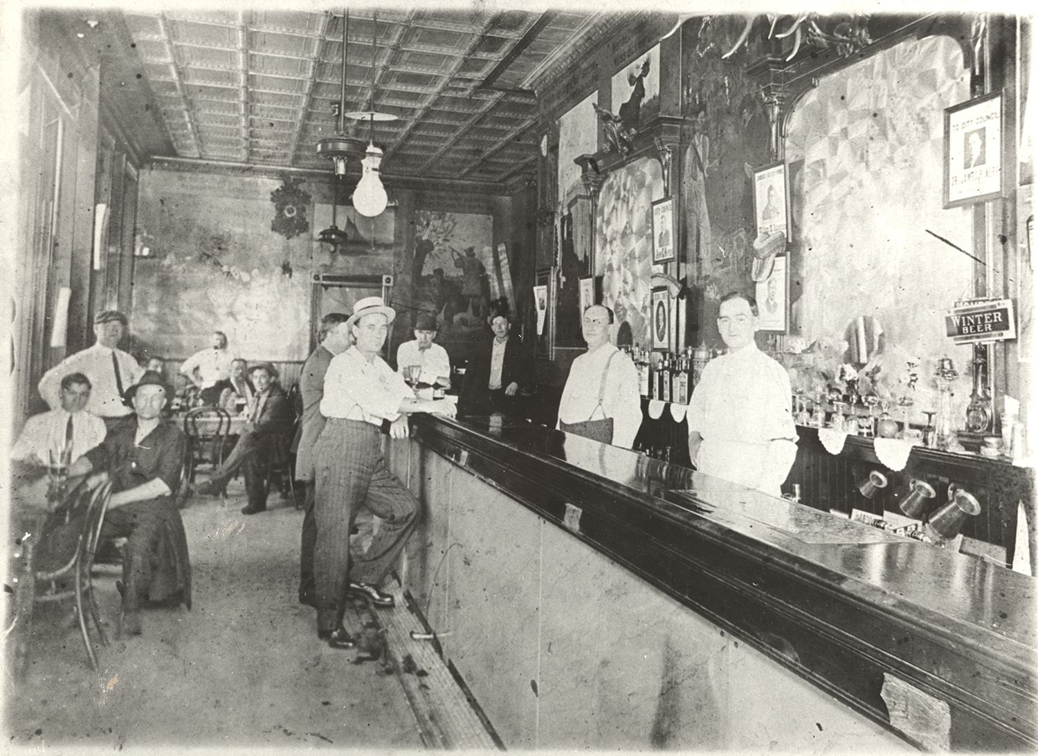 Zoglmann's Saloon interior, c. 1910. Zoglmann-Linz Family Photo Collection. MSS 874, Detre Library & Archives, Heinz History Center.