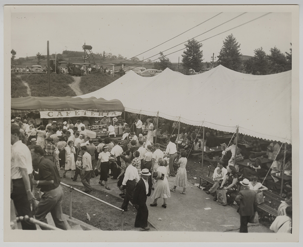 Allegheny County Fairgrounds Cafeteria in South Park, c. 1943. Heinz History Center.