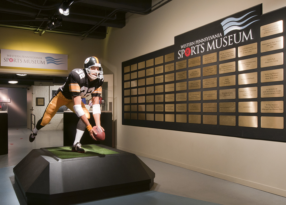 Museum life-like figure of Franco Harris in front of the Western Pennsylvania Sports Museum.