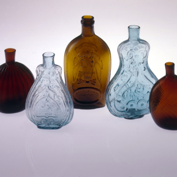 Bottles and flasks, 1810-1840