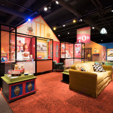 1970s Living Room | Toys of the '50s, '60s and '70s exhibit at the Heinz History Center