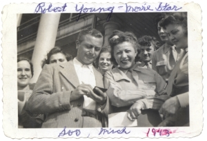ALT:Robert Young signing autographs