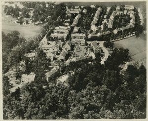 ALT:Aerial view of Chatham Village, September 1937. | Buhl Foundation Photographs, MSP 187, Detre Library & Archives at the Senator John Heinz History Center.