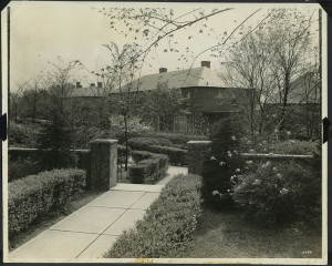 ALT:Entrance to Chatham Village, May 1936. | Buhl Foundation Photographs, MSP 187, Detre Library & Archives at the Senator John Heinz History Center.