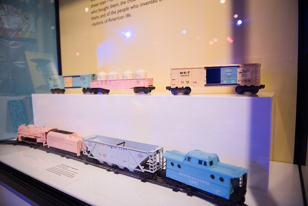 """Lady Lionel"" Train Set 