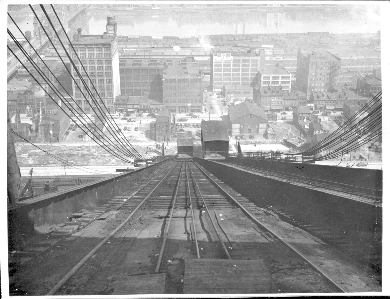 Looking down the 17th Street Incline at Penn Avenue, c. 1940. General Photo Collection, Detre Library & Archives at the Heinz History Center.