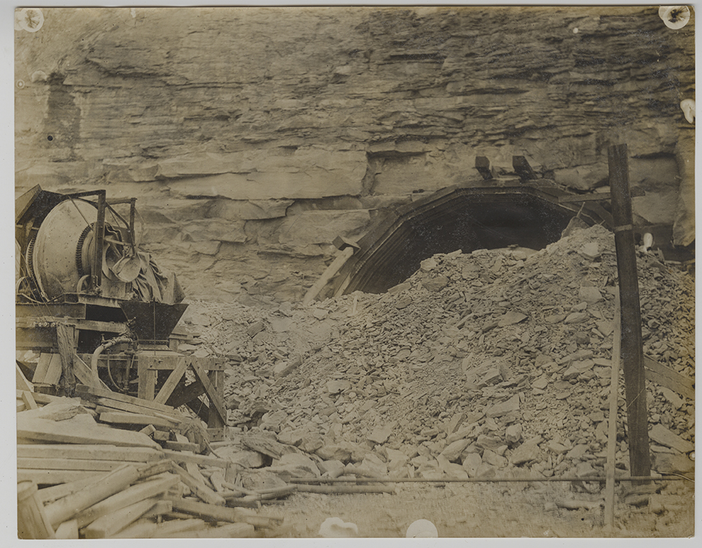 Clearing debris at the tunnel opening, 1920. Heinz History Center.