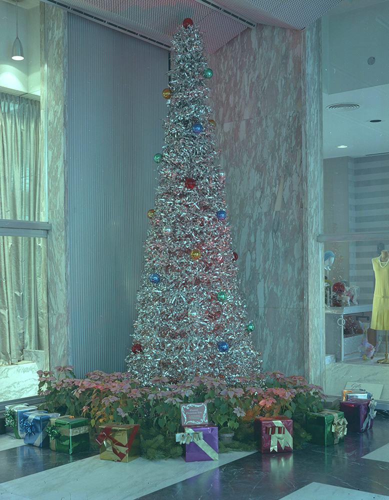 An aluminum tree in the lobby of the Alcoa Building, 1966. Alcoa Company Photographs, MSP 282, Detre Library & Archives at the History Center.