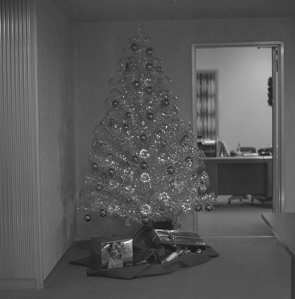 An aluminum tree outside an office in the Alcoa Building, 1966. Alcoa Company Photographs, MSP 282, Detre Library & Archives at the History Center.