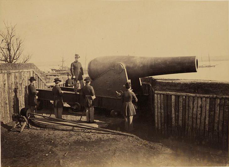 Rodman gun at Battery Rodgers, Alexandria, Va., May 18, 1864 | Library of Congress