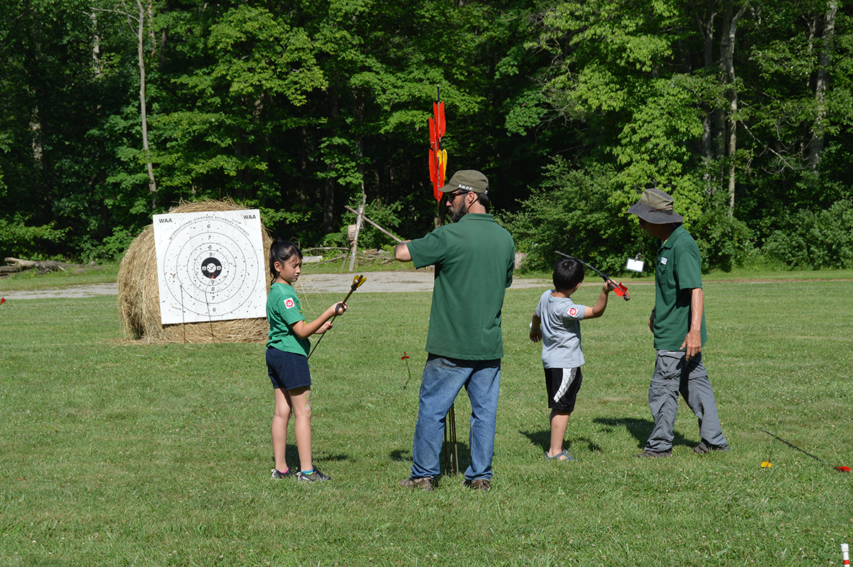 Beginner atlatl participants during the 2017 Atlatl competition at Meadowcroft.