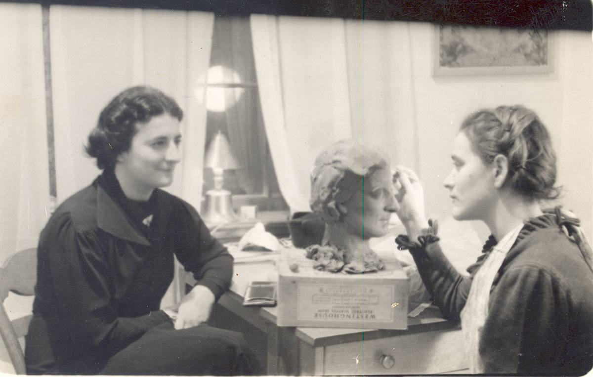 Sibyl Barsky (right) working on a portrait bust of Pearl Braskin Weinberg, 1930s. Sibyl Barsky Grucci Photographs, MSP 423, Detre Library & Archives at the History Center. Gift of Sibyl Barsky Grucci.