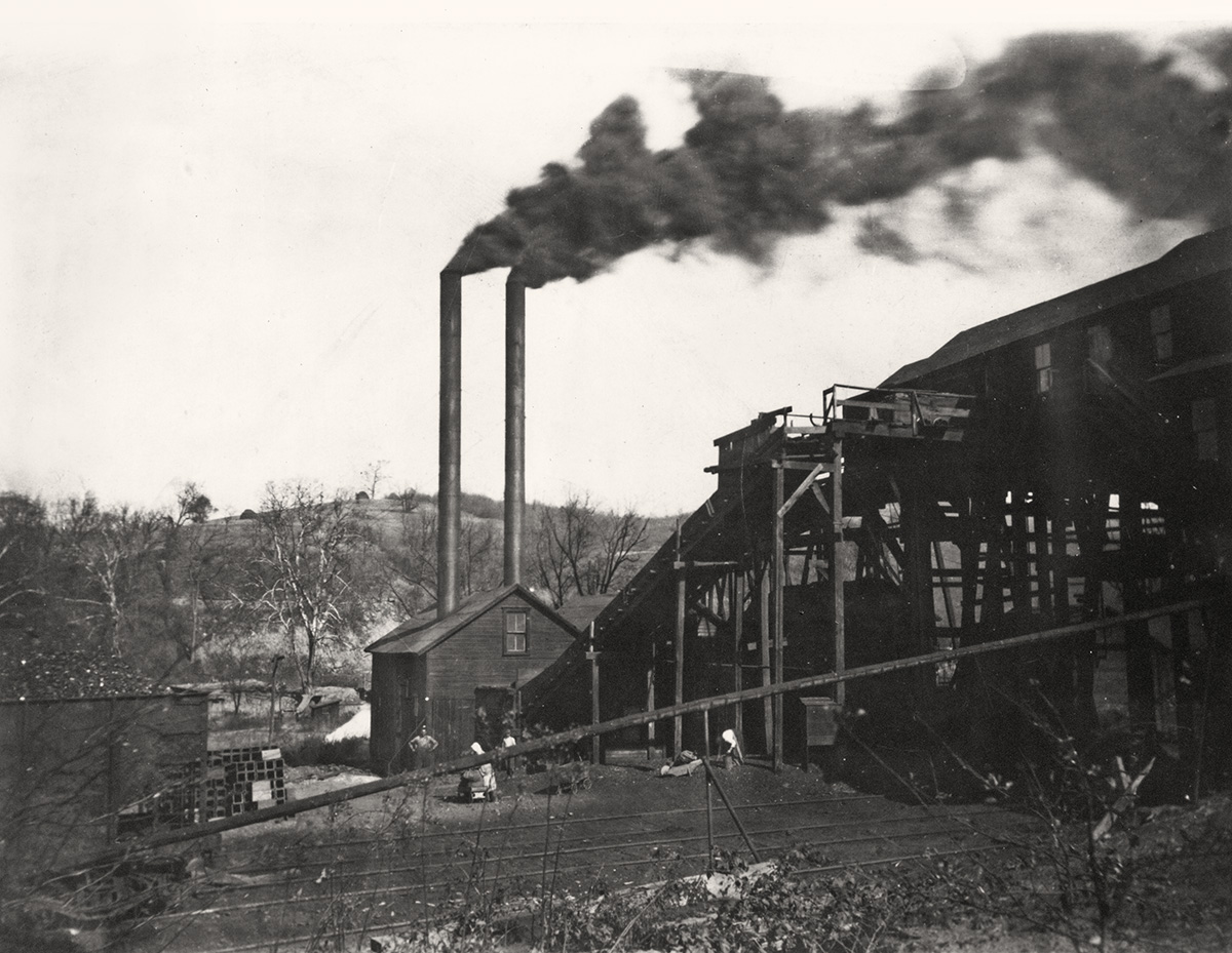 Donahoe Coal Co. coal tipple in Avella, Pa., 1925. Gift of Lee Cecchini. Italian American Collection at the Heinz History Center.