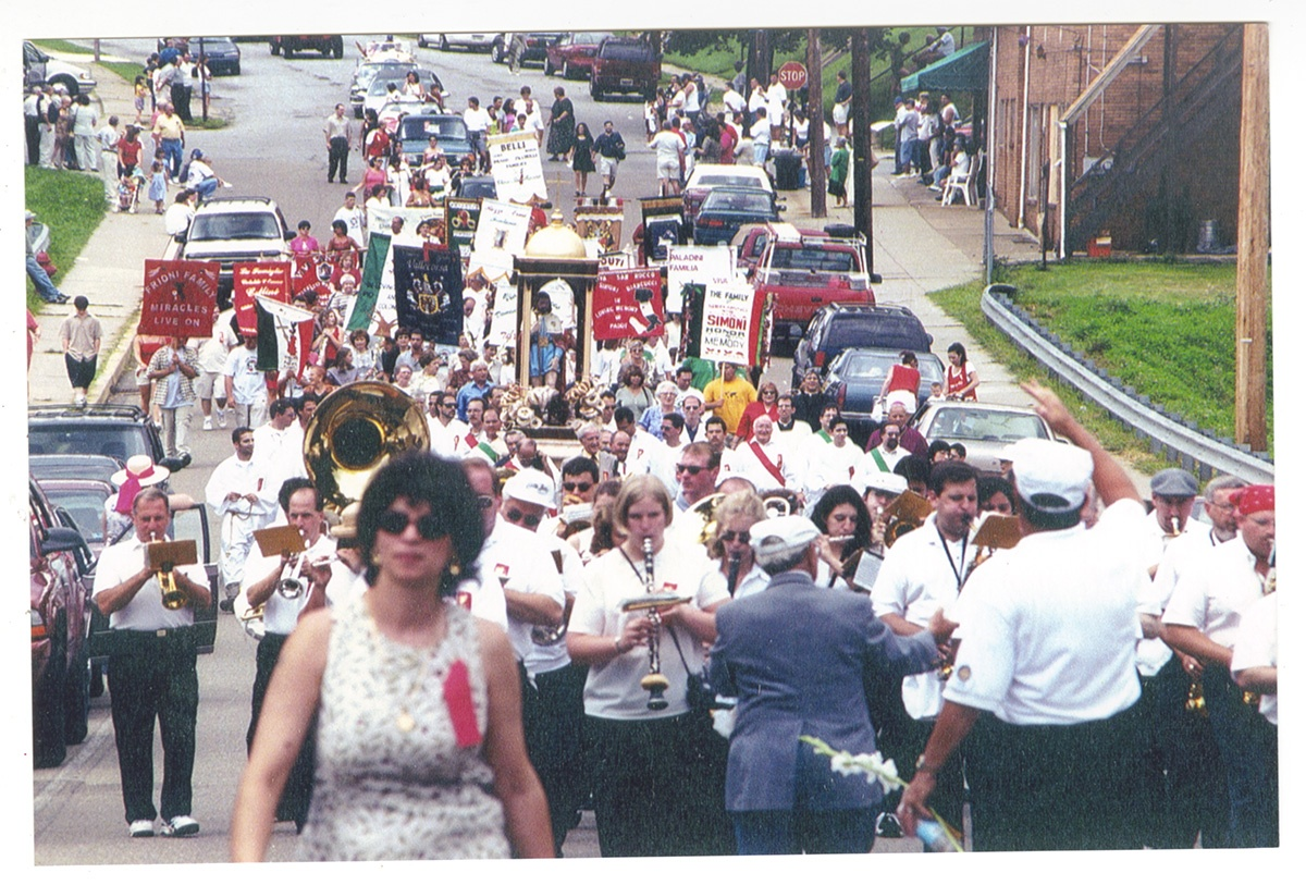 San Rocco Procession in Aliquippa, Pa., 1990s. Gift of Henry Bufalini. Italian American Collection at the Heinz History Center.
