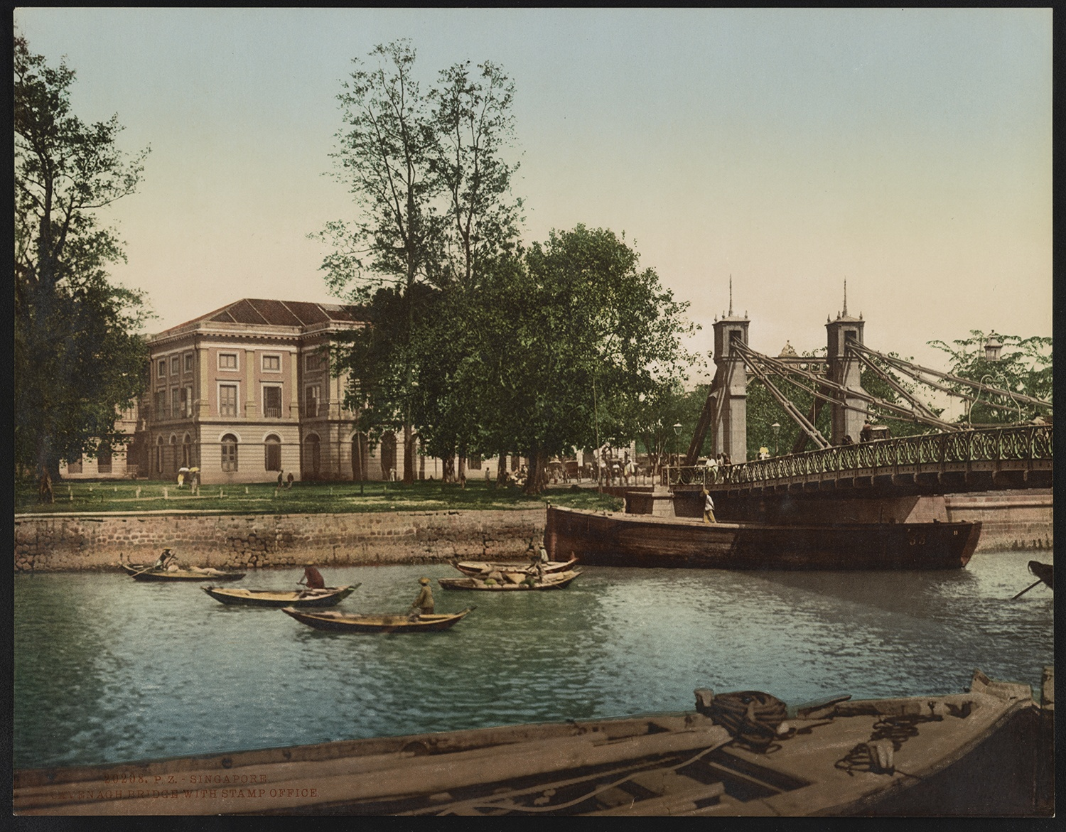 Cavenagh Bridge and the Government Offices, c. 1890. Courtesy of the Library of Congress.